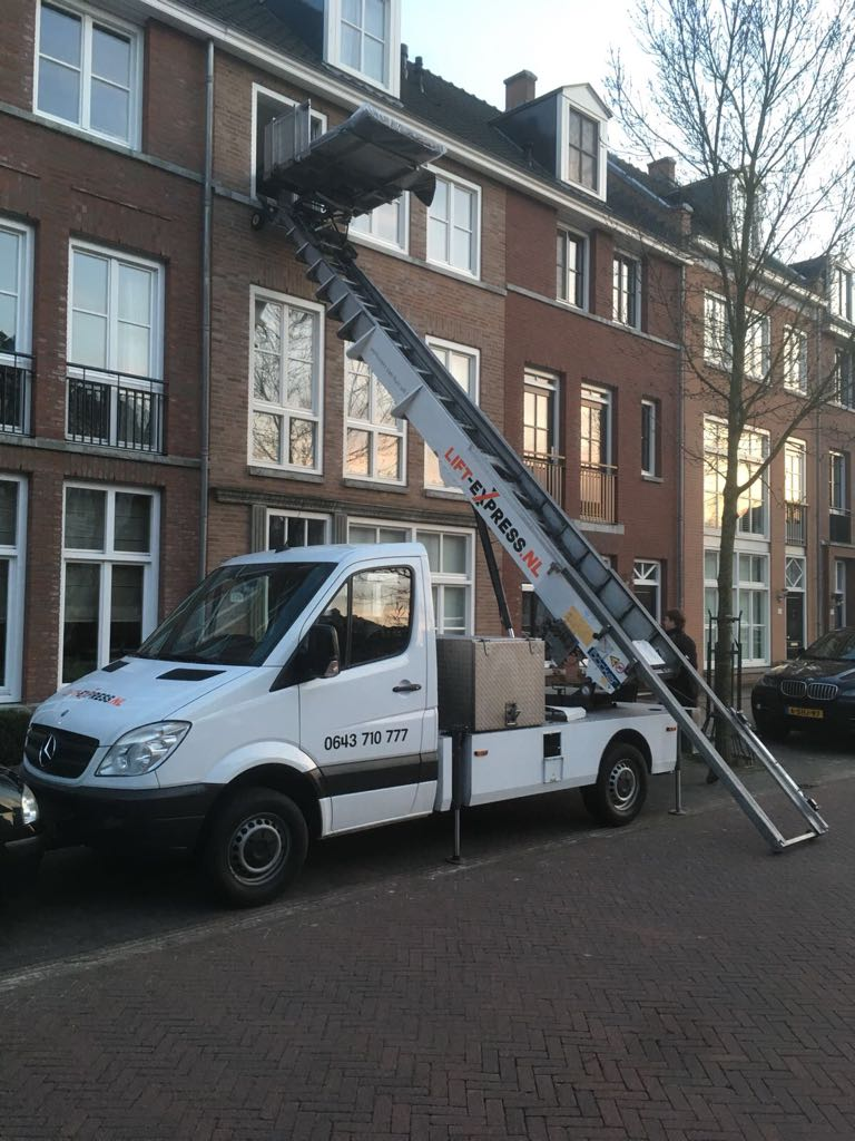 Rent a Moving lift in Amsterdam