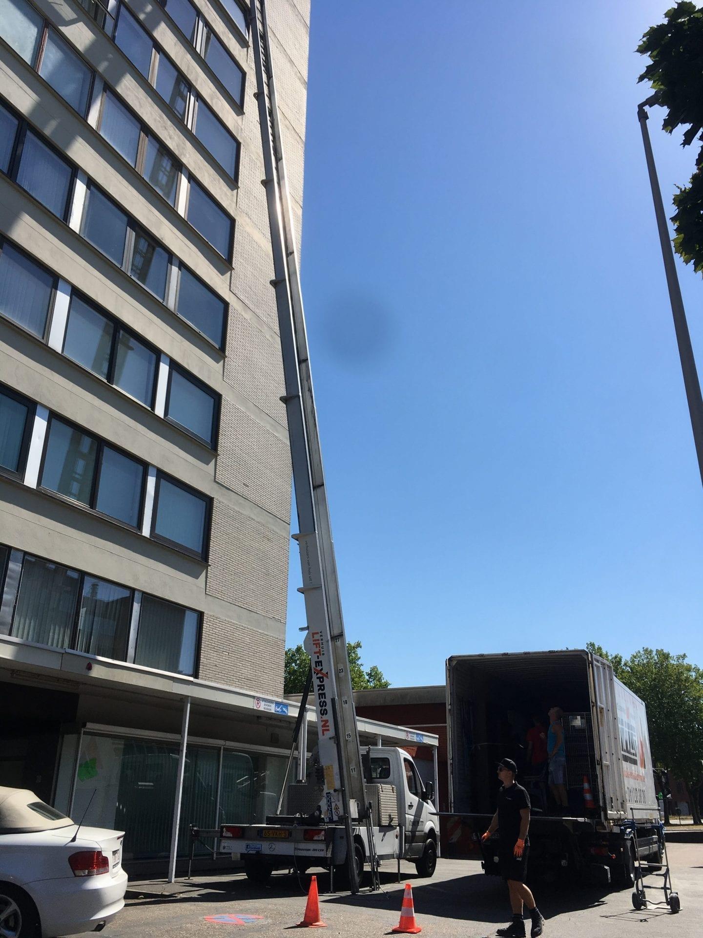Moving lift Genk - Relocation Hoist Turnhout - Verhuislift huren Maasmechelen - Umzugsaufzug mieten Lanaken